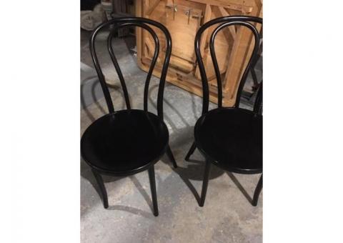 2 chaises de cuisine noires (neuves)